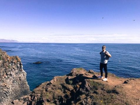 Hiking to Gatklettur arch rock